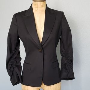 Tahari cinched sleeve one button black blazer